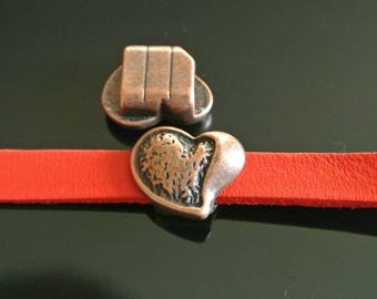 A busy Pearl Heart, 18 x 15 mm to 9 cord x 2.5 mm, antique copper, hole size