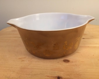 Vintage Pyrex 2.5 Qt. Early American Brown and Gold Bowl 475-B
