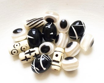 salvaged black and white bead destash--mixed lot of 15