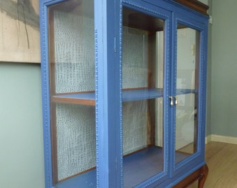 Exquisite solid mahogany glass cabinet with rare lift top section, would make a super chic drinks cabinet. Hand painted Farrow & Ball