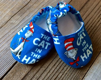 Dr. Suess cat in the hat baby booties, cat and the hat booties, dr. Suess baby booties, Dr. Suess baby shoes
