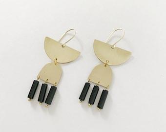 Tri Black Spinal Earrings