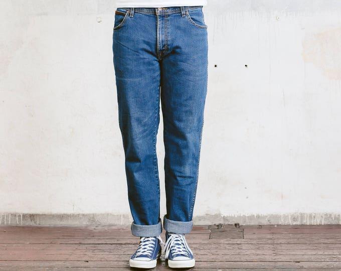 Distressed Wrangler Jeans . Dark Blue Denim Jeans Boyfriend Jeans Men Jeans Stonewashed Jeans 90 Clothing Straight Leg Jeans . W34 L34