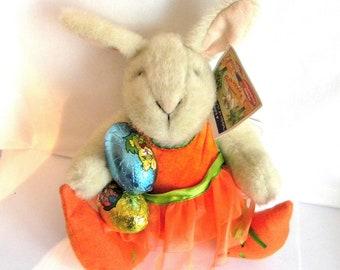 Hoppy Vanderbear - A Salad Ballad - Muffy Rabbit - The North American Bear Company