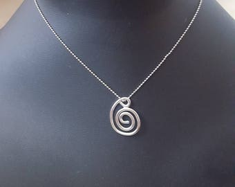 Sterling silver freeform small spiral pendant