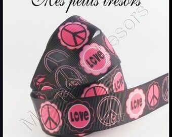 22 mm sold Pink Ribbon PEACE AND LOVE Brown background