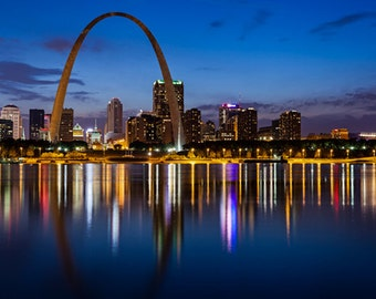 United States - Missouri - St Louis skyline at dusk - SKU 0168