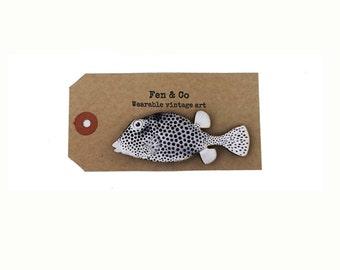 Fish pin, fish badge, fish brooch, nautical pin, sea life badge, sealife, fish jewelry, nautical badge, nautical brooch, vintage pin