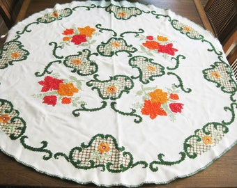 """Embroidered Round Tablecloth Flowers 48"""" - Cotton - Cross-stitch Red Orange Green on white"""