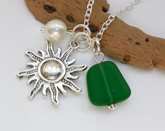 Emerald Green Sea Glass Necklace, Beach Glass Necklace, Sea Glass Jewelry, Beach Glass Jewelery, Starburst,Sun Necklace, Free US Shipping