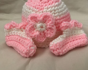 Adorable pink/white baby hat and bootie set