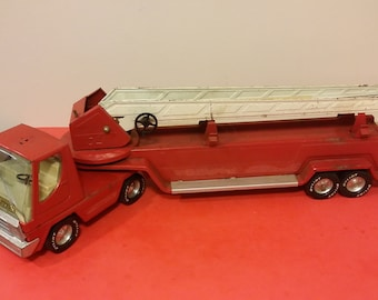 Vintage NyLint Toy Fire Truck Aerial Hook-N-Ladder , USA