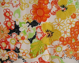 VINTAGE 70s FABRIC / French fabric / Sewing projects / Floral / Yellow / Summer / 60s / 70s / Printed fabric / Craft projects