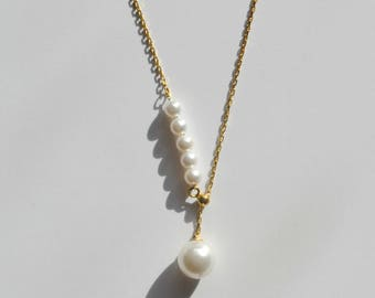 Minimalist Gold Necklace, Pearl drop necklace, Asymmetric pearl necklace,Delicate Gold necklace