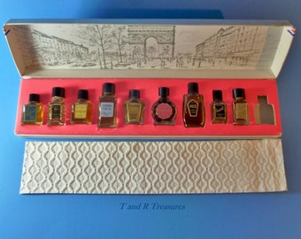 Grands Parfums De' France  Box Set 9 miniature full bottles of French Perfume Vintage