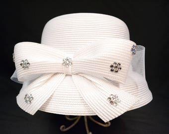 Fancy White Ada