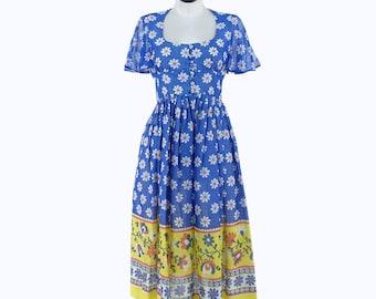 1970s Daisy Dress
