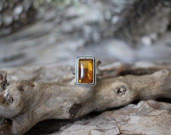 Vintage | Delicate | Brown | Orange | Natural | Baltic Amber | Rectangle | Sterling silver | Ring | Size 6  | 4 grams