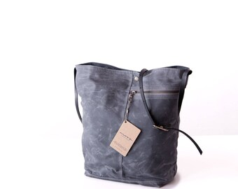 Tote no. 1 in Gray waxed canvas