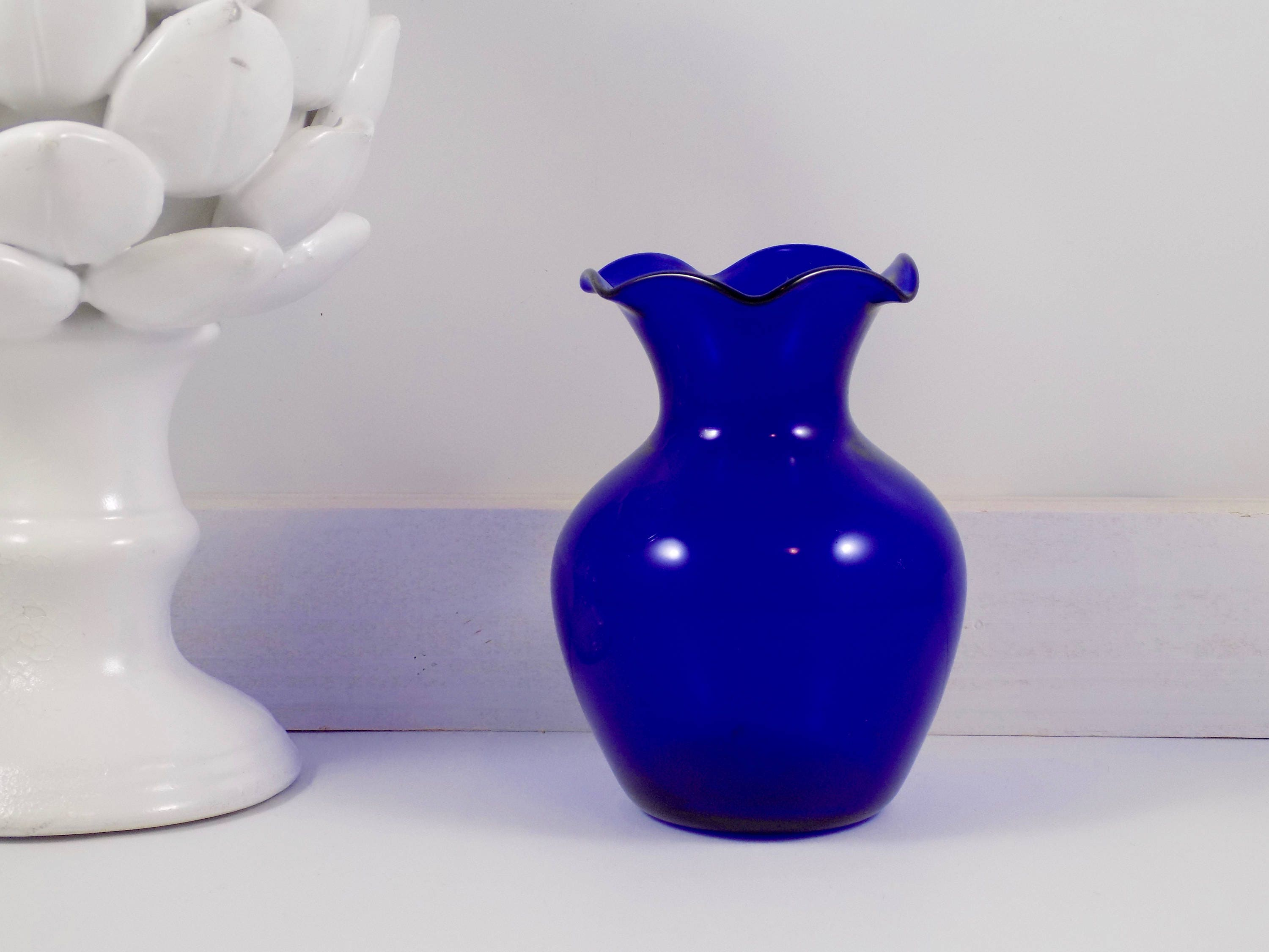 Handblown fluted vasecobalt blueglassfluted vasehandblown description this listing is for a beautiful handblown cobalt blue glass vase floridaeventfo Image collections