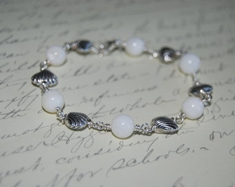 Natural White Pearl Shell  Wire Wrap Bracelet