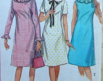 Vintage  Dress Sewing Pattern Simplicity 5910 Size 9