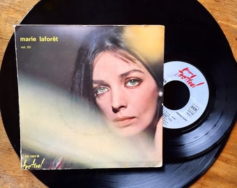 Marie Laforêt - volume XV - EP, 45 RPM vinyl - Lola bed / and if I you like (Sunday Morning') - France 1968 - record Festival. Pop Folk.