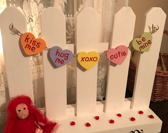 Picket Fence Garland