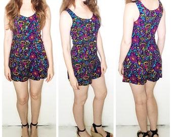 Vintage absract print romper / vintage jumpsuit / vintage shorts playsuit / multi color print jumper