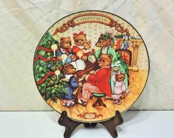 Christmas 1989 Avon Vintage Bear Together For Christmas Plate