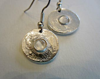 Sterling Silver Hanging Earrings with Mother of Pearl Cabochon