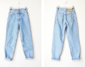 LEE high waisted tapered leg mom jeans 80s 90s // XS