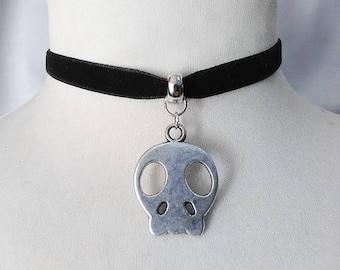 Alien skull Charm Pendant , black  Velvet Ribbon Choker Necklace