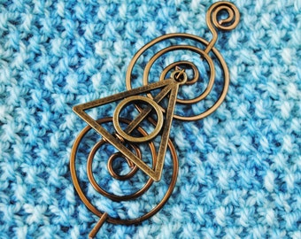 Wizard Shawl Pin in Vintage Bronze