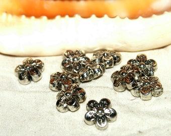 Beads X 10 16 mm chrome acrylic flowers