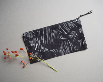"Printed Pouch ""Shards"""