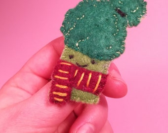 broccoli with scarf felt brooch pin