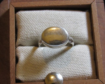 love easy with this ring marked 925 engrave able top