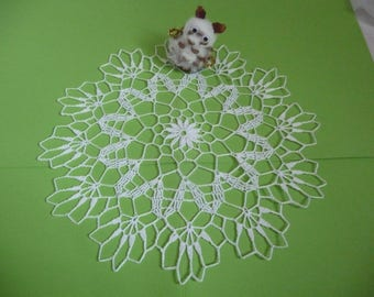 Handmade white cotton lace doily