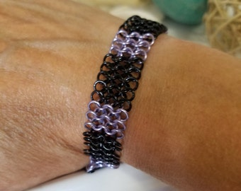 European 4 in 1 chainmaille Bracelet - Black and Lavender (purple)