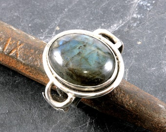 Labradorite and 925 Sterling Silver Ring  --  5018