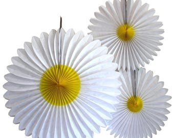 Hanging Tissue Paper Daisy Flower Decorations, Set of 3 (13-20 inches)