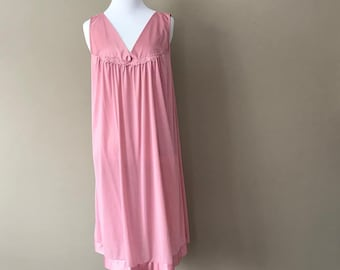 XL / Vanity Fair / Pink / Nightgown / Salmon / Nylon Gown / Extra Large