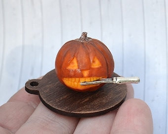 Dollhouse Miniature Halloween, miniature Halloween Pumpkin with knife, miniature Halloween,scale one inch, scale 1:12,scale miniature, Fairy