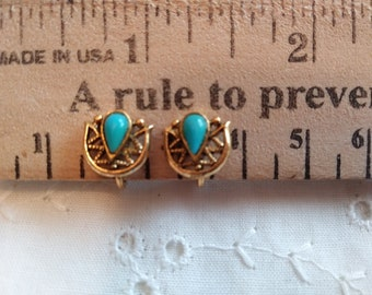 Vintage blue turquoise clip on earrings in gold tone
