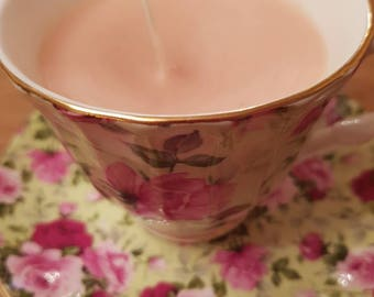 Delightful rose patterned tea cup & saucer part of the Chintz Collection by Royale Garden