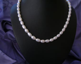 Classic cream freshwater pearl necklace
