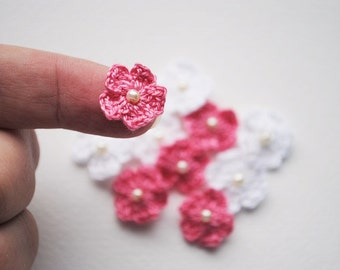 Crochet flower appliques, mini crochet flowers, pink flowers, white flowers, scrapbooking flowers, crochet flowers for cards and scrapbook
