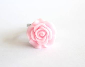 Pink resin rose ring with flower
