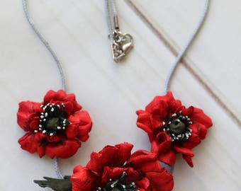 Leather Flowers Necklace